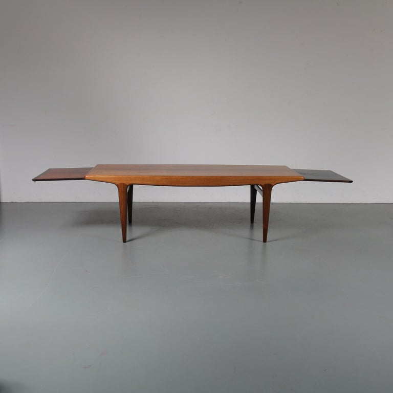 Johannes Andersen Extendible Coffee Table for Silkeborg, Denmark, 1960 In Good Condition For Sale In Amsterdam, NL