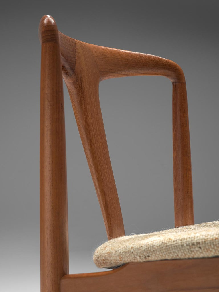 Johannes Andersen 'Juliane' Set of Eight Dining Chairs in Teak For Sale 1