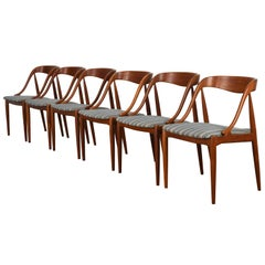 Johannes Andersen Set of Six Teak Dining Chairs, 1960s