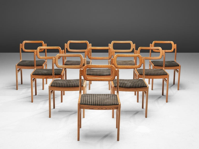 Scandinavian Modern Johannes Andersen Set of Ten Dining Chairs in Oregon Pine For Sale