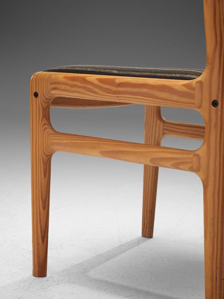 Johannes Andersen Set of Ten Dining Chairs in Oregon Pine For Sale 2