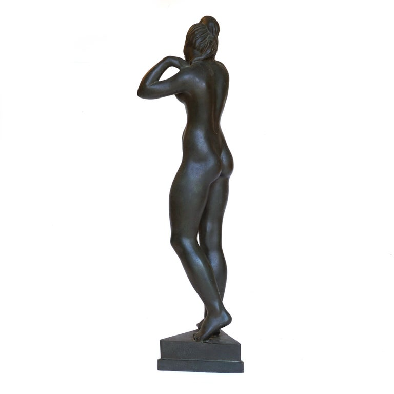 Johannes C. Bjerg Modern Bronze Stauette of a standing Woman, Designed 1916 In Good Condition For Sale In Aabenraa, DK
