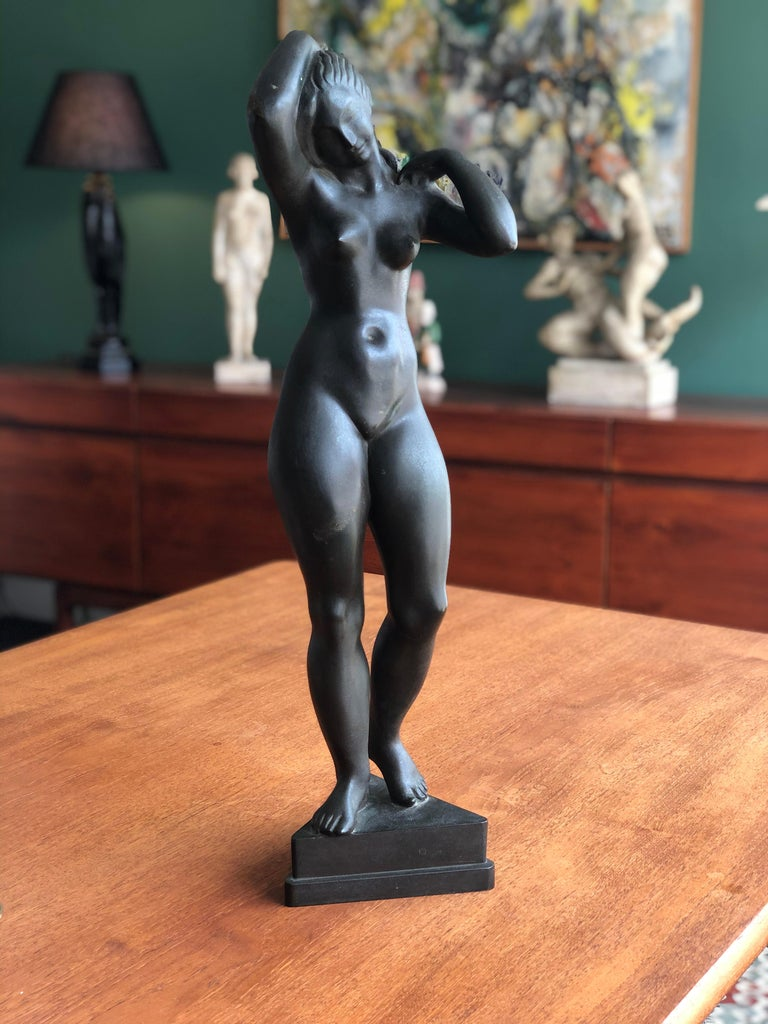 Johannes C. Bjerg Modern Bronze Stauette of a standing Woman, Designed 1916 For Sale 1
