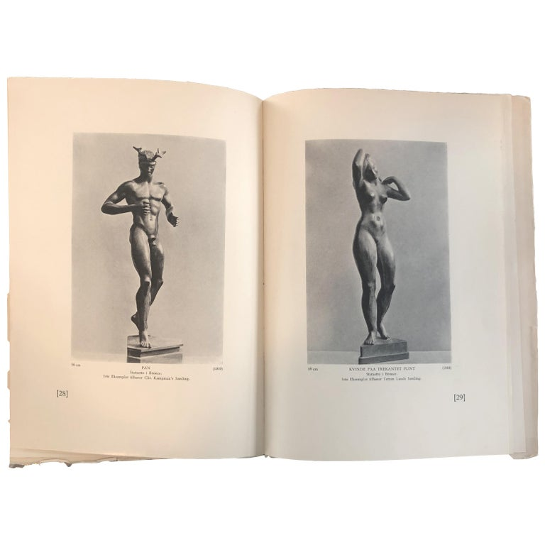 Johannes C. Bjerg Modern Bronze Stauette of a standing Woman, Designed 1916 For Sale 2