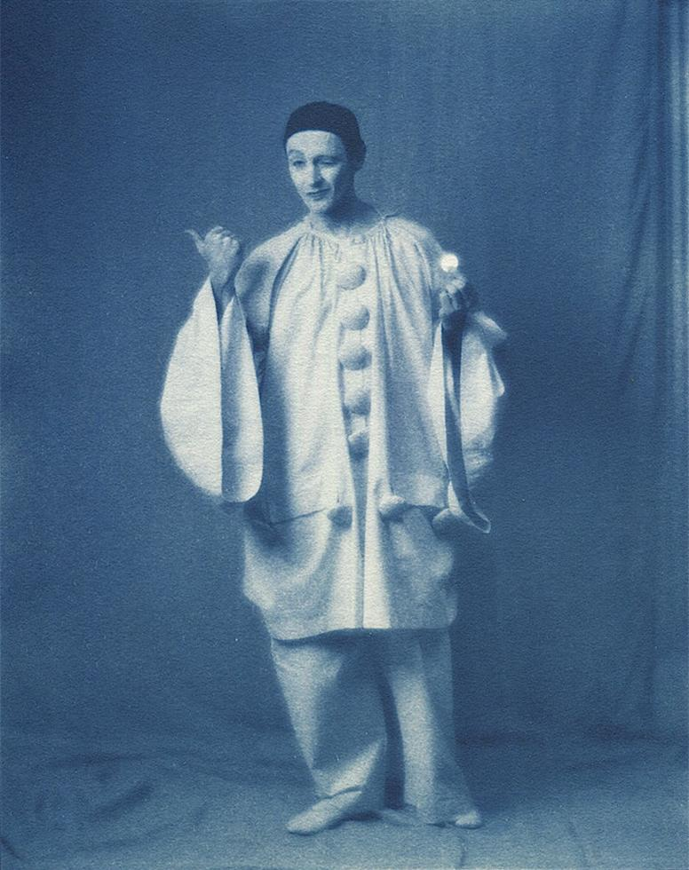 Pierrot with Coin