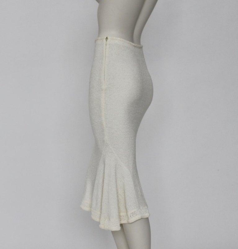 Women's John Galliano Paris Off White Vintage Knit Viscose Pencil Skirt Peplum 1990s  For Sale