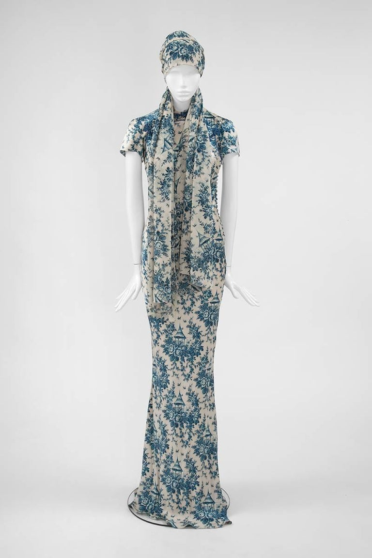"John Galliano ""Toile de Jouy"" Bias Cut Gown and Stole  In Excellent Condition For Sale In Geneva, CH"