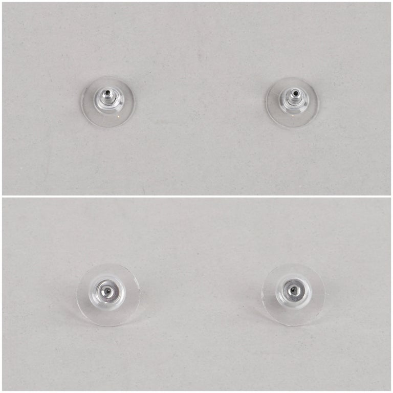 "JOHN HARDY ""Dot"" Silver Black Carved Geometric Circle J Hoop Pierced Earrings For Sale 4"