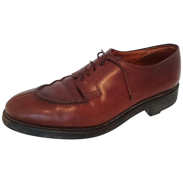 John Lobb Leather Brown  Laced Up Shoes. Great conditions. Size 7.5 (UK) For Sale