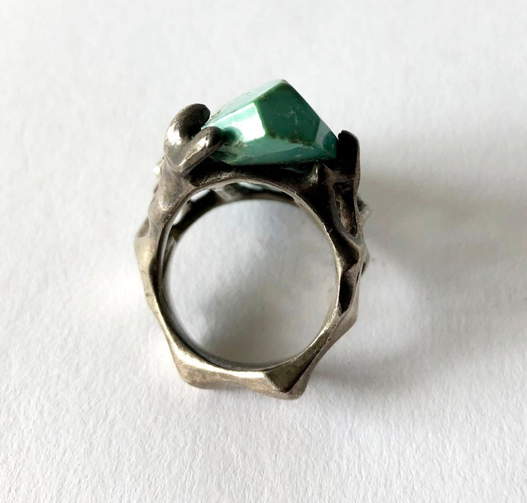 1970s John M. Morgan Sterling Silver Turquoise Brutalist Ring In Good Condition For Sale In Los Angeles, CA