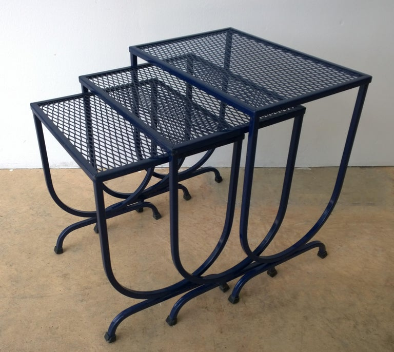 S/3 Salterini Newly Enameled Blue Wrought Iron Patio Stacking / Nesting Tables For Sale 2