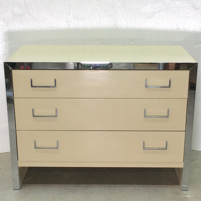 John Stuart Chrome and Lacquered Chest of Drawers In Good Condition For Sale In Hingham, MA