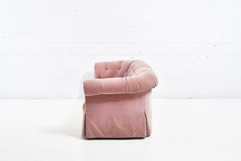 John Stuart Pink Sofa, 1988 In Good Condition For Sale In Chicago, IL
