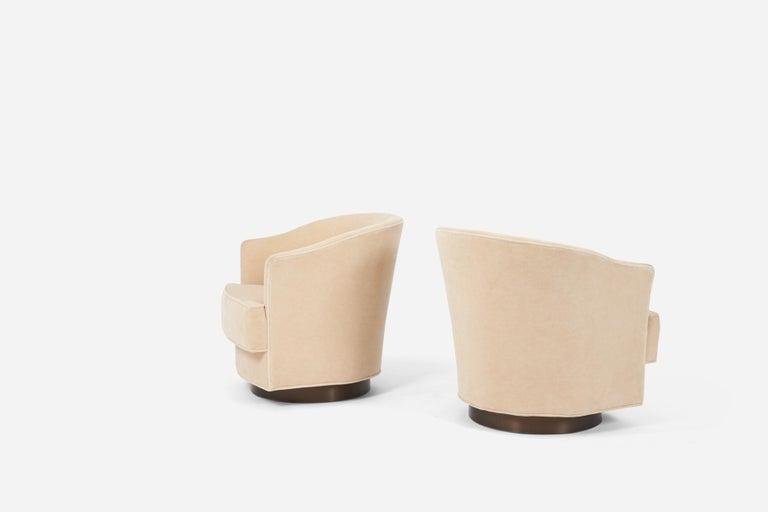 Mid-Century Modern John Stuart Swivel Chairs, 1960s For Sale