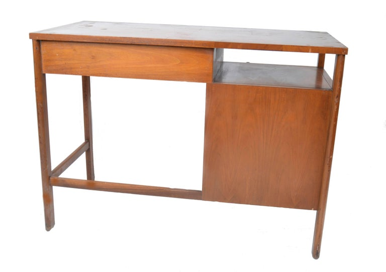 Mid-Century Modern John Widdicomb Desk by Dale Ford For Sale