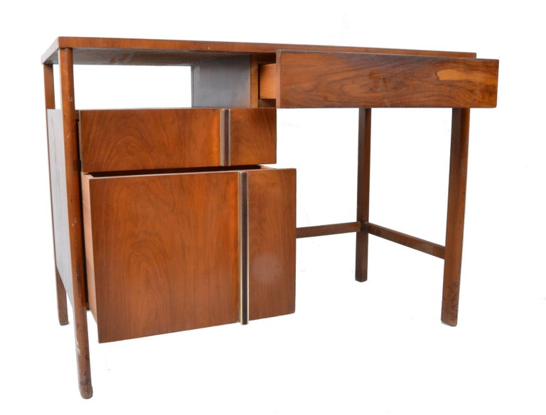 American John Widdicomb Desk by Dale Ford For Sale