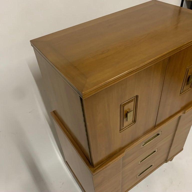 John Widdicomb Gentleman's Chest, Dresser w. Cabinet Solid Wood w Brass Hardware For Sale 2