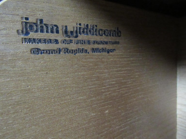 John Widdicomb Glass Front Units In Good Condition For Sale In Brooklyn, NY