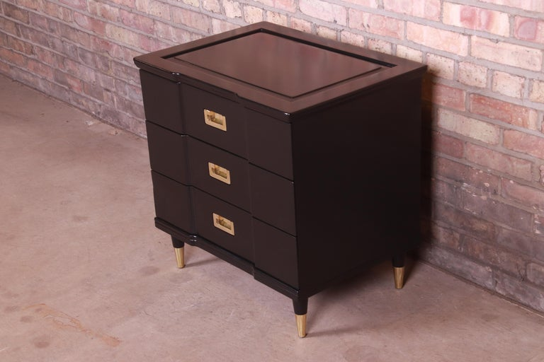 American John Widdicomb Hollywood Regency Black Lacquered Bedside Chest, Newly Refinished For Sale