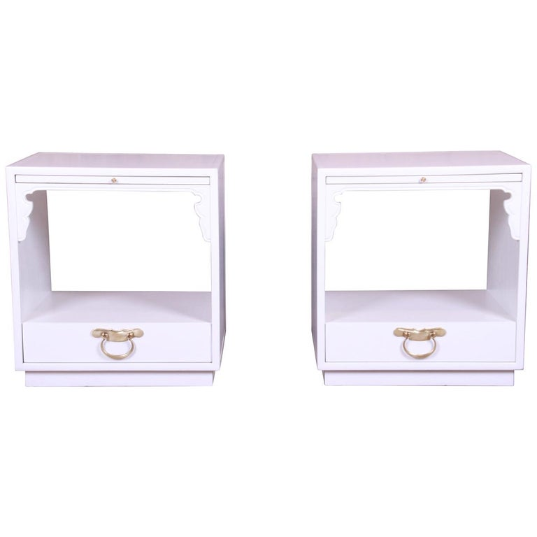 John Widdicomb Hollywood Regency Chinoiserie White Lacquered Nightstands, Pair For Sale