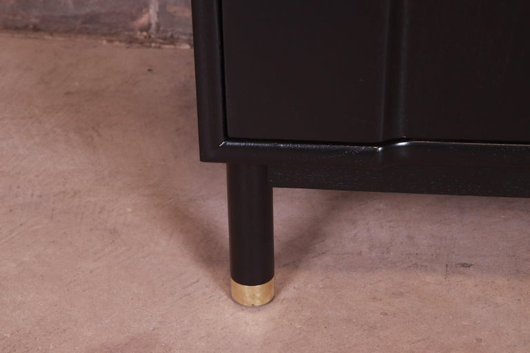 John Widdicomb Mid-Century Modern Black Lacquered Nightstands, Newly Refinished 2