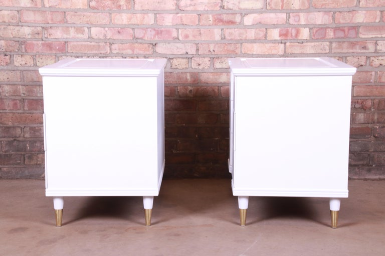 John Widdicomb Mid-Century Modern White Lacquered Nightstands, Newly Refinished For Sale 7