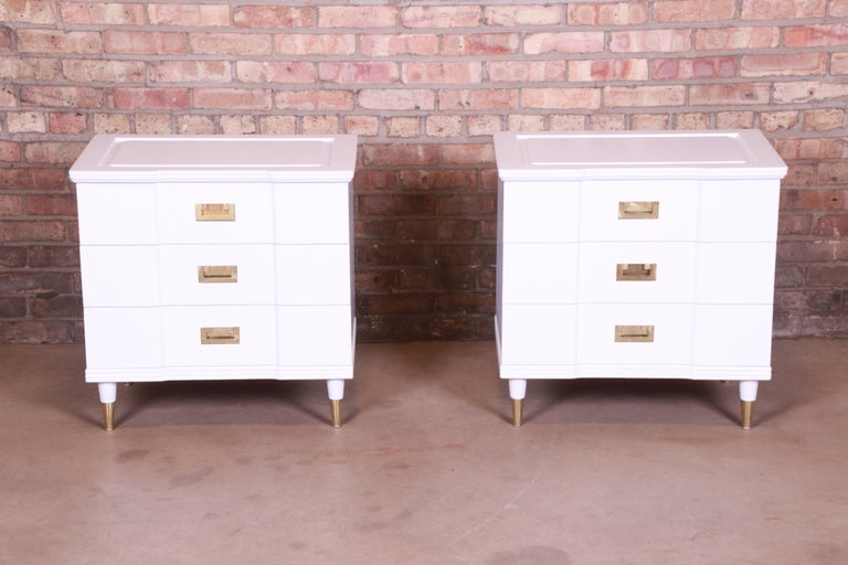 American John Widdicomb Mid-Century Modern White Lacquered Nightstands, Newly Refinished For Sale