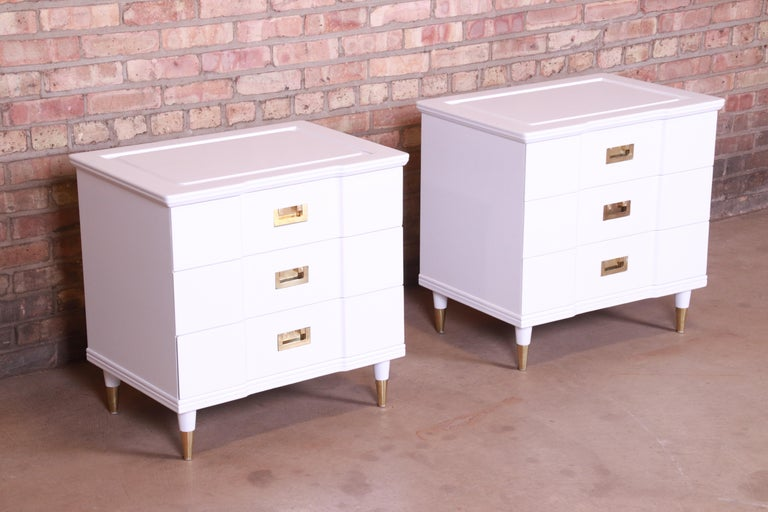 Brass John Widdicomb Mid-Century Modern White Lacquered Nightstands, Newly Refinished For Sale