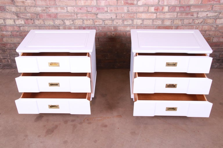 John Widdicomb Mid-Century Modern White Lacquered Nightstands, Newly Refinished For Sale 1