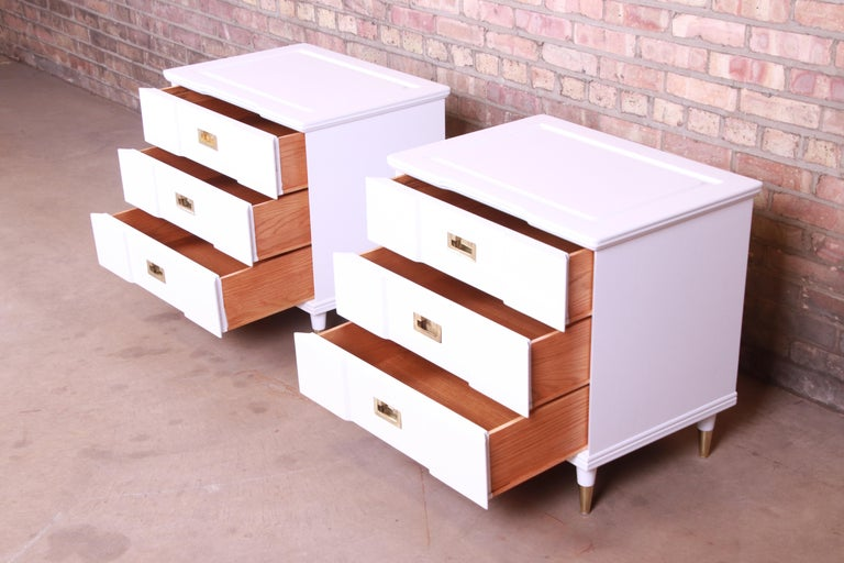 John Widdicomb Mid-Century Modern White Lacquered Nightstands, Newly Refinished For Sale 3