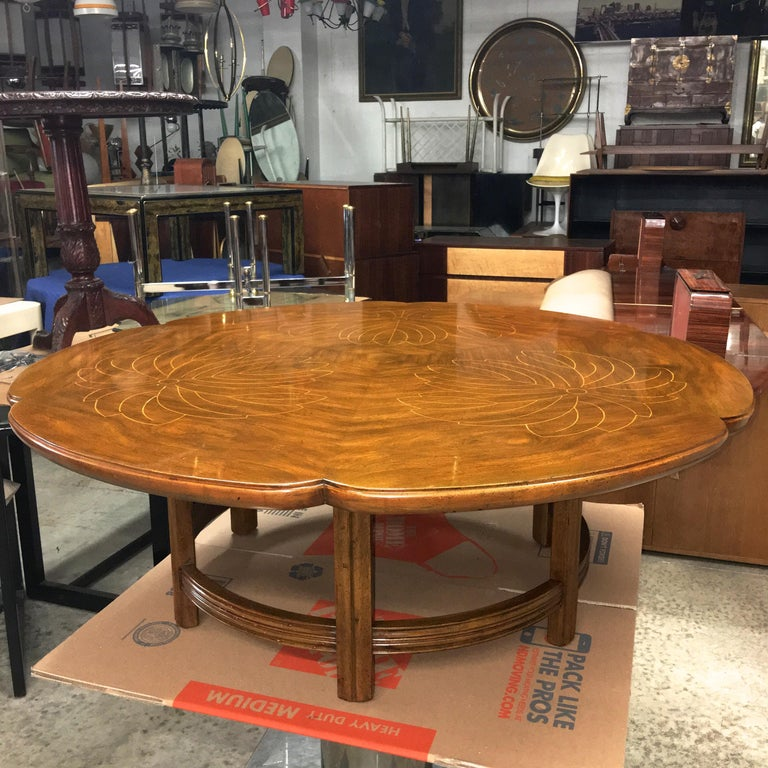 John Widdicomb Scalloped Edge Round Cocktail Table with Inlay For Sale 10