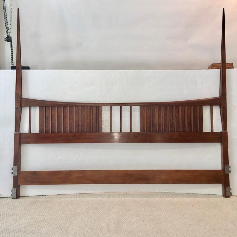 Mid-Century Modern John Widdicomb Tall Post King Bed Headboard For Sale