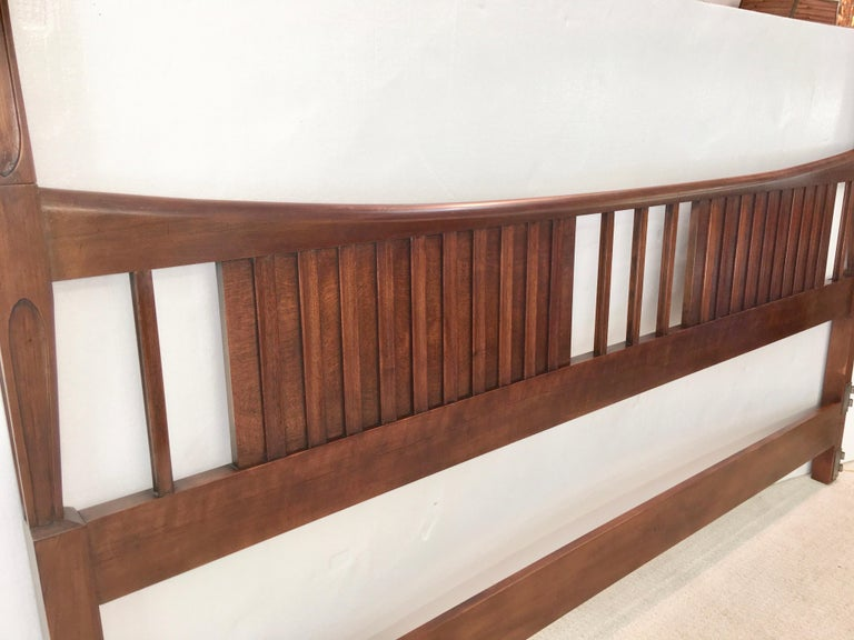 John Widdicomb Tall Post King Bed Headboard In Good Condition For Sale In Hingham, MA