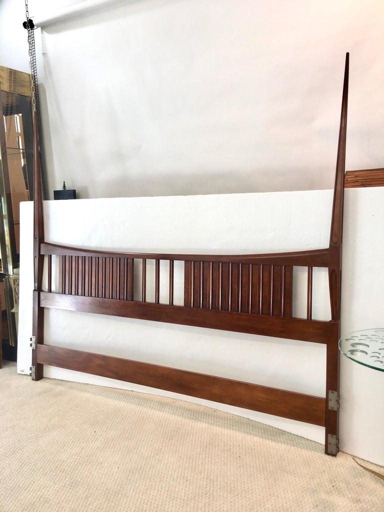 Mid-20th Century John Widdicomb Tall Post King Bed Headboard For Sale