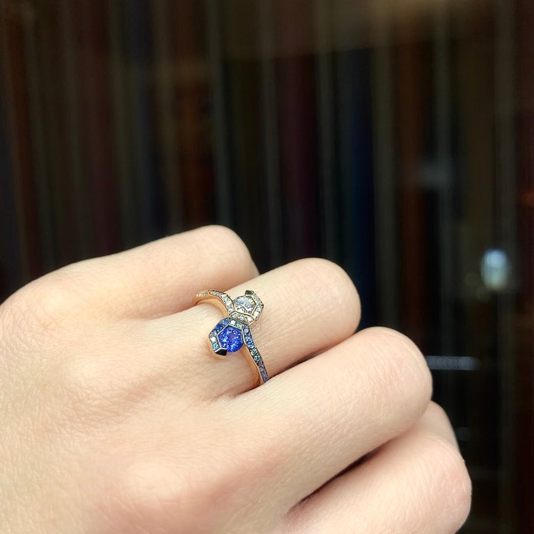 Round Cut Joke Quick 18K Rose Gold Sapphire and Diamond Toi et Moi ring For Sale