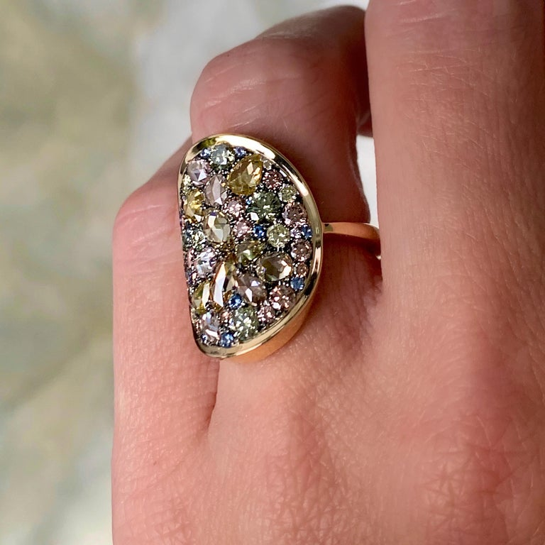 Joke Quick 3.14 Carat Fancy Pink, Green, Yellow Diamond Pave Cocktail Ring For Sale 4