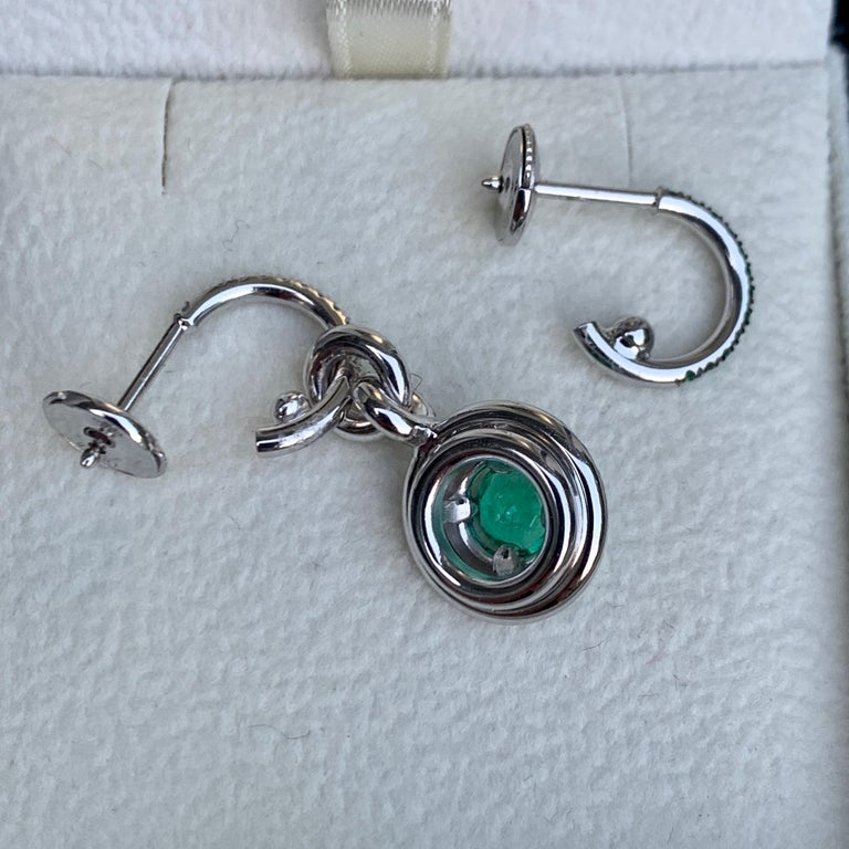 Joke Quick Handmade Mismatched Columbian Emerald and Diamond Earrings In New Condition For Sale In Antwerp, BE