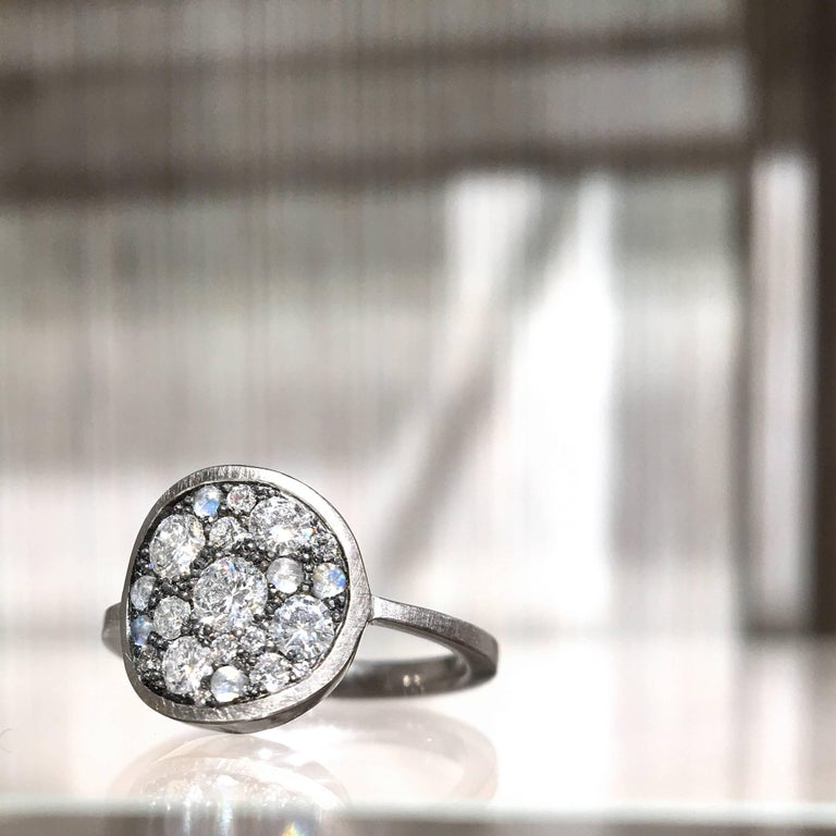Round Cut Joke Quick White Diamond Blue Moonstone Warm Gold Black Silver Starstruck Ring For Sale