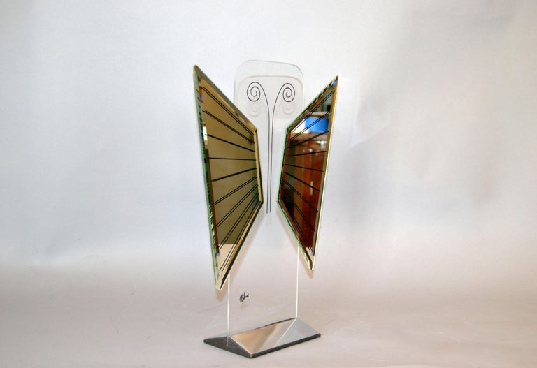 Jon Gilmore Mid-Century Modern Art Mirror in Chrome and Lucite Shaped Butterfly For Sale 4