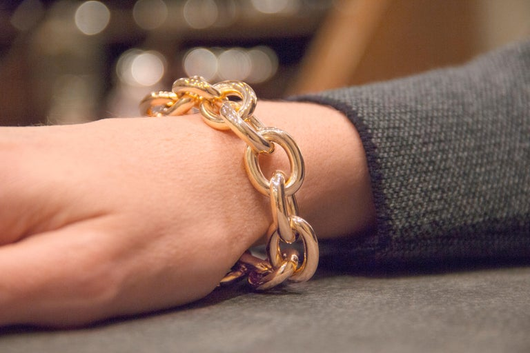 Jona 18 Karat Yellow Gold Link Chain Bracelet For Sale 1