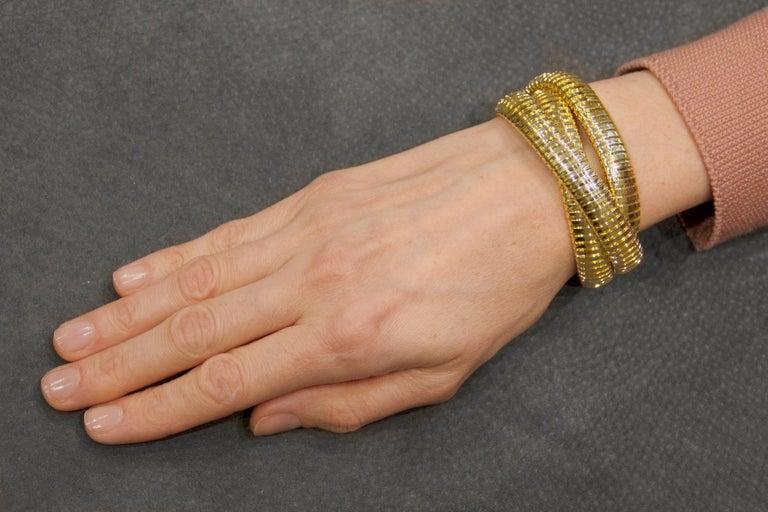 Alex Jona 18 Karat Yellow Gold Tubogas Rolling Bracelet For Sale 7