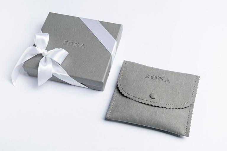 Jona 18 Karat Yellow Gold White Diamond Choker Pendant Necklace 4