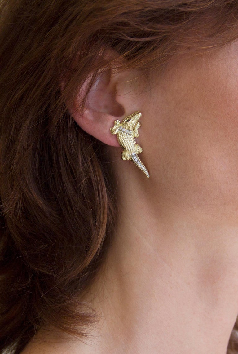 Jona design collection, hand crafted in Italy,  18 karat yellow gold alligator stud / clip-on earrings. Dimensions  : L 1.38 / 35.25 mm x W 0.65 in / 16.59 mm x D 0.46 in / 11.86 mm All Jona jewelry is new and has never been previously owned or