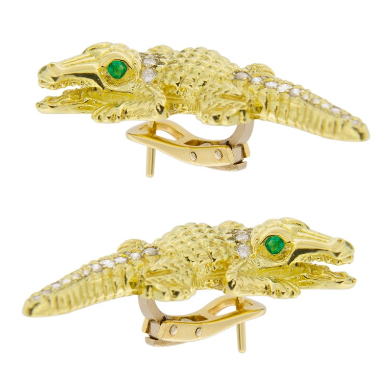 Jona Alligator 18 Karat Yellow Gold White Diamond Emerald Clip-On Stud Earrings In New Condition For Sale In Torino, IT