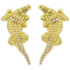 Jona Alligator 18 Karat Yellow Gold White Diamond Emerald Clip-On Stud Earrings