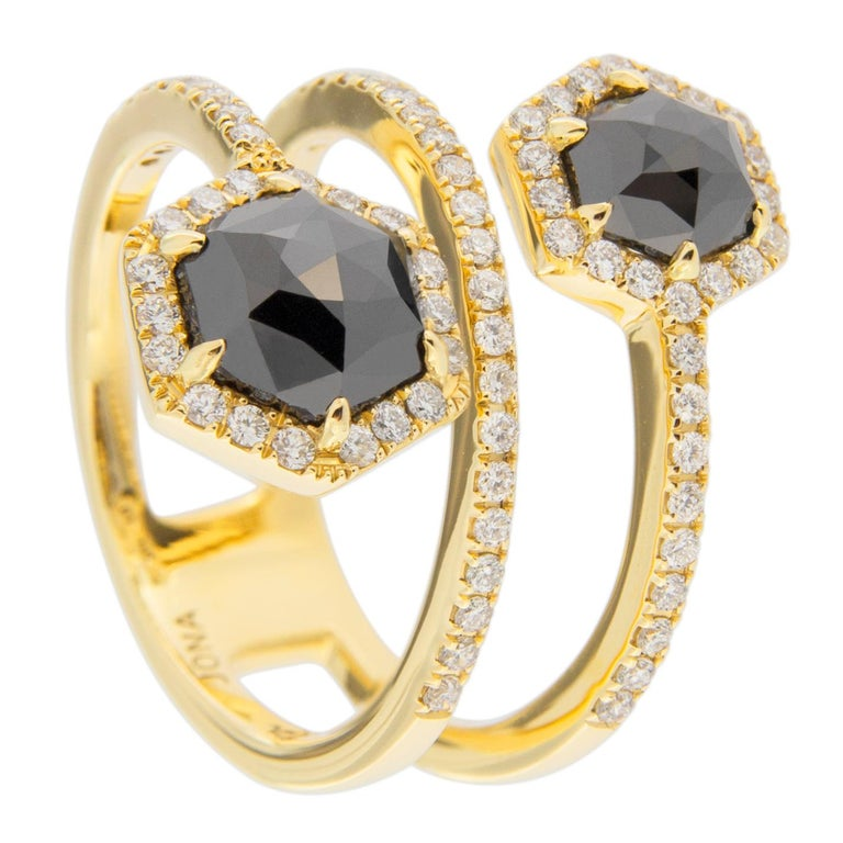 Jona Black Diamond and White Diamond 18 Karat Yellow Gold Crossover Ring Band In New Condition For Sale In Torino, IT