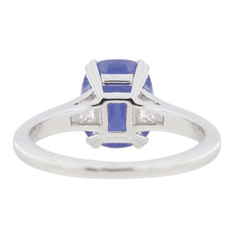 Jona Cabochon Tanzanite White Diamond 18 Karat White Gold Solitaire Ring For Sale 7