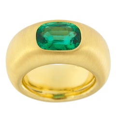 Jona Certified Zambian Emerald 18 Karat Yellow Gold Band Ring