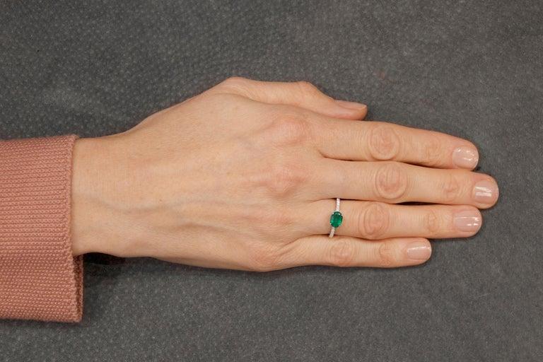 Jona Emerald and White Diamond 18 Karat White Gold Solitaire Ring 4