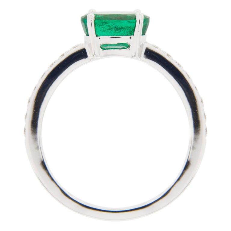 Jona Emerald and White Diamond 18 Karat White Gold Solitaire Ring 5